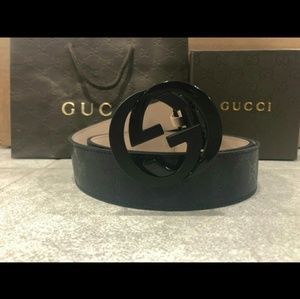 Black shiny imprime belt